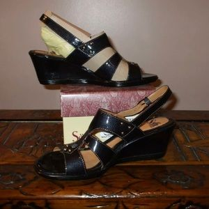Sofft Navy Patent Leather Sandals 8.5 NEW